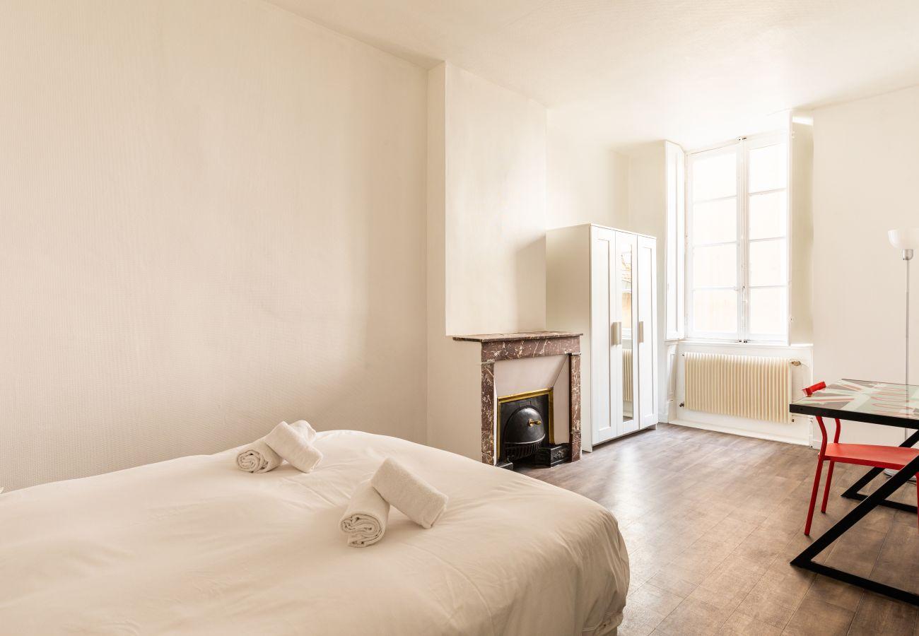 Apartment in Lyon - DIFY Auguste Comte - Quartier Ainay